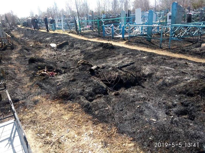 2 кладбища были сожжены в Петропавловске