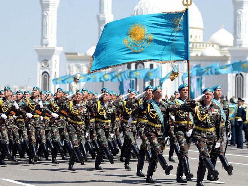 Казахстанцы отмечают День защитника Отечества