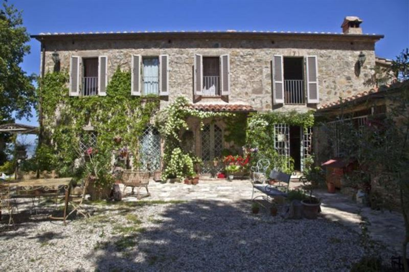 В Италии выставили на продажу сотни домов за 1 евро