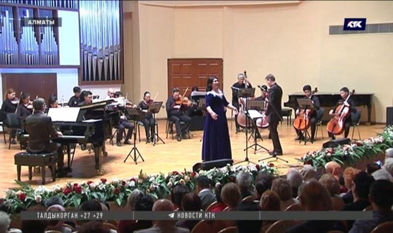 Песни военных лет прозвучали на концерте для ветеранов в Алматы