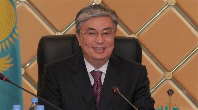Президент поздравил казахстанцев с Днем Победы