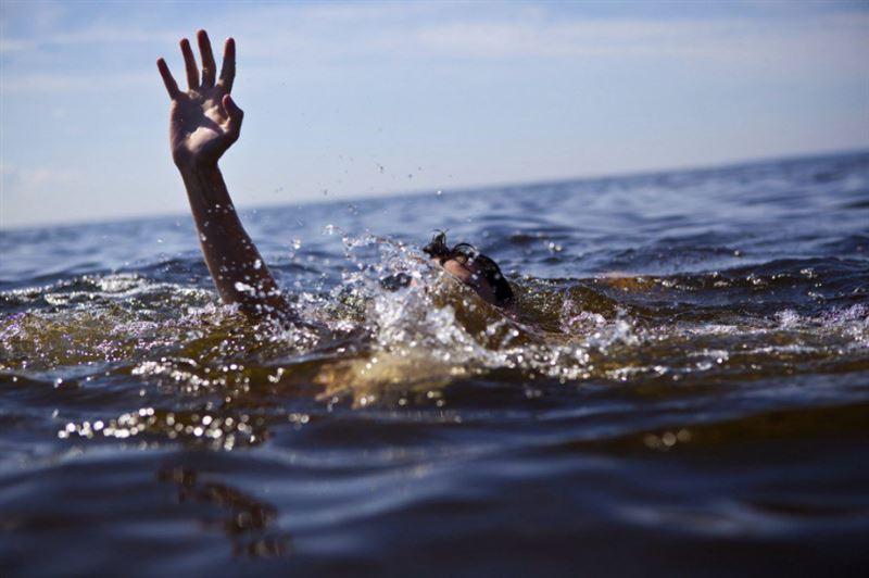 Елордада қызды құтқармақ болған жігіт өзі суға батып кетті