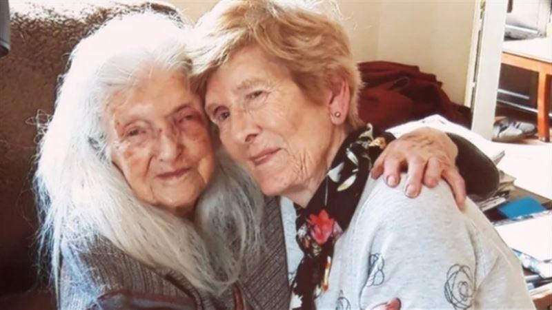 Уникальный случай: Женщина нашла свою мать после 60 лет поисков