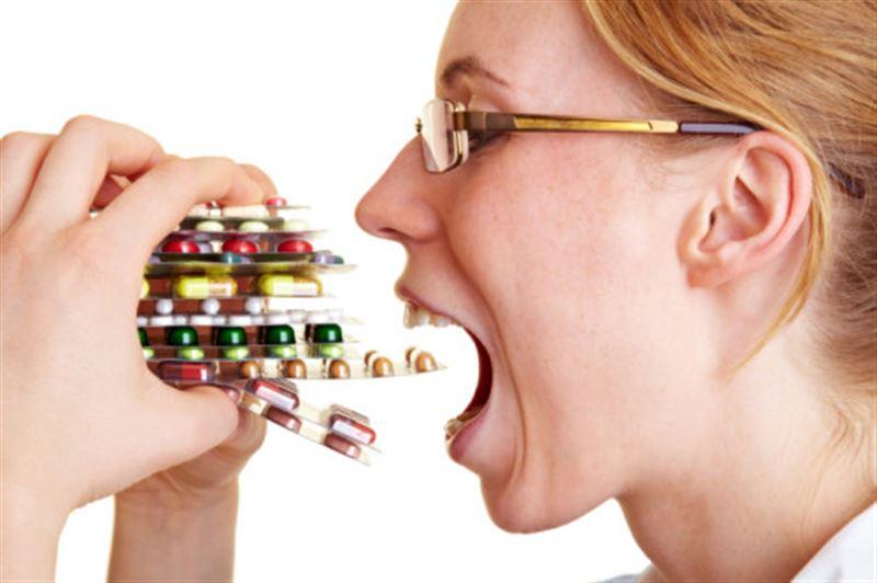Россиянки заказали из Казахстана таблетки для похудения и попали за решетку