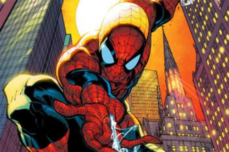 Мальчик в костюме Человека-паука упал с 8 этажа и выжил