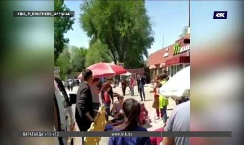 ЧП в Алматы: манипулятор рухнул на людей, трое в реанимации