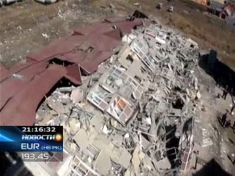 В Караганде рухнула аварийная пятиэтажка