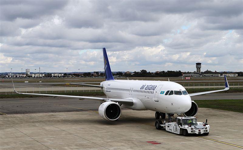 Самолет из Казахстана совершил аварийную посадку в Шереметьево