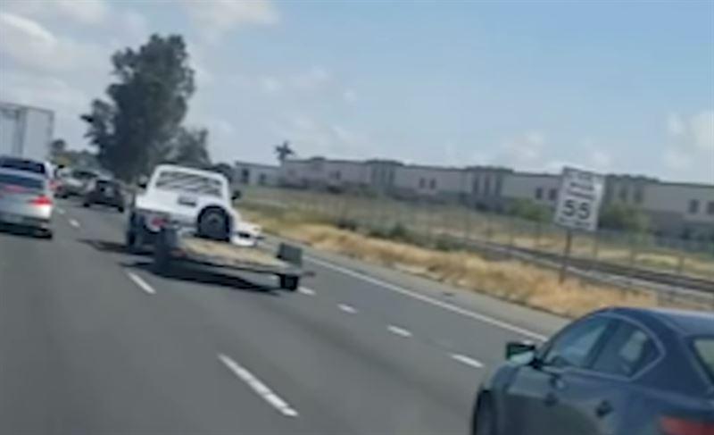В Калифорнии разбился истребитель