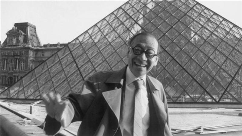 На 103-м году жизни скончался создатель пирамиды Лувра