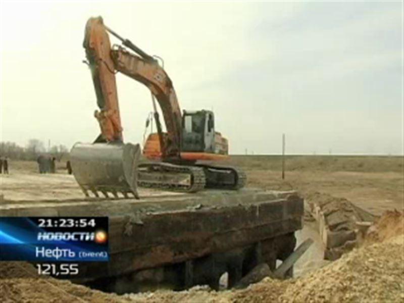 Новый мост в Актюбинской области не выдержал потока талых вод