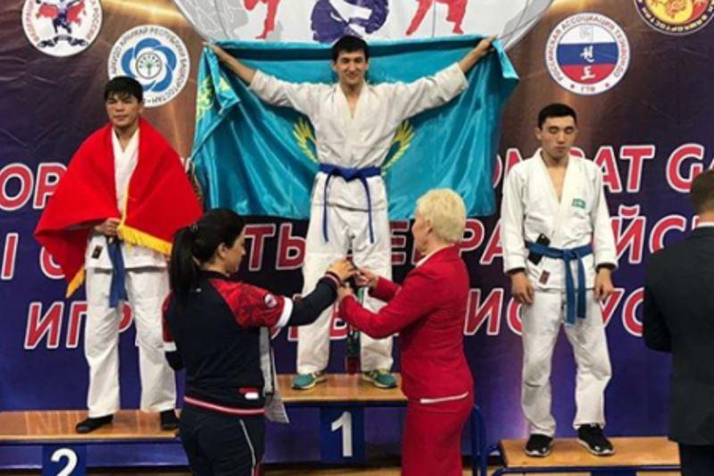 Қарағандылық спортшы қоян-қолтық ұрыстан Азия чемпионы атанды