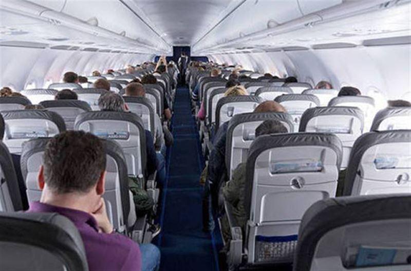 Наркокурьер, перевозивший в желудке более 240 пакетов с кокаином, умер в самолете