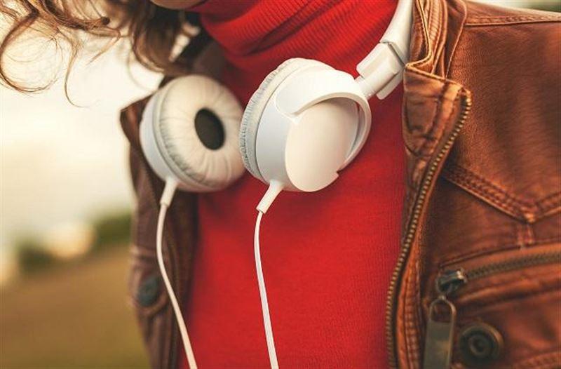 Стало известно, какую музыку слушают умные люди