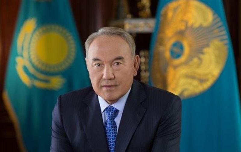 Назарбаеву присвоили статус почётного сенатора