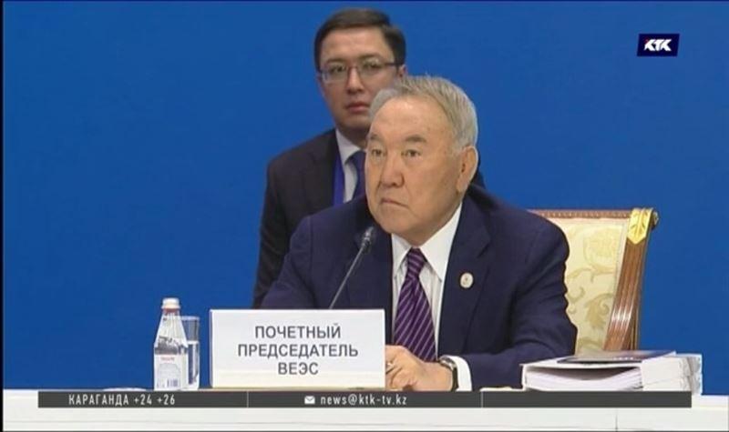 Первый президент Казахстана стал пожизненным почётным сенатором