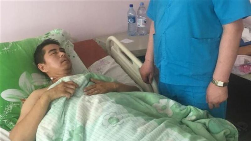 В Шымкенте чудом выжил водитель, попавший под свой же автобус