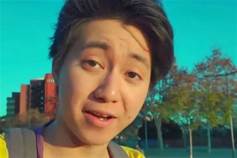 Блогеру, накормившему бездомного печеньем с зубной пастой, грозит тюрьма