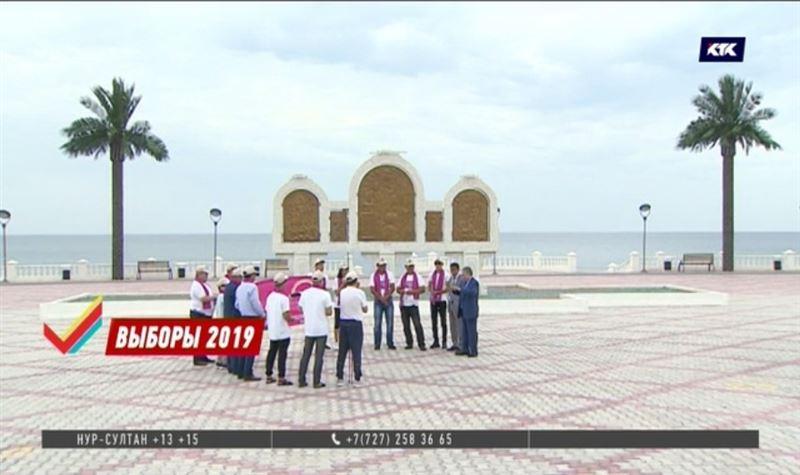 Садыбек Тугел встретился с электоратом на набережной
