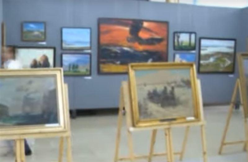 Конфискованные у коррупционеров дорогостоящие картины переданы в музей Шымкента