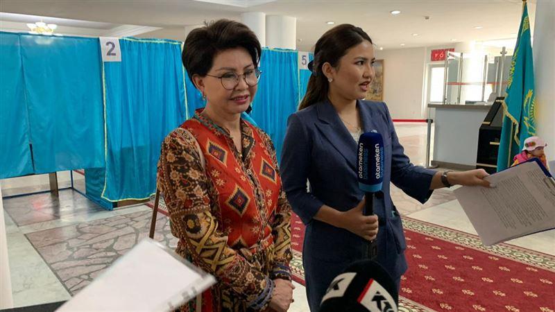 Роза Рымбаева проголосовала на выборах президента