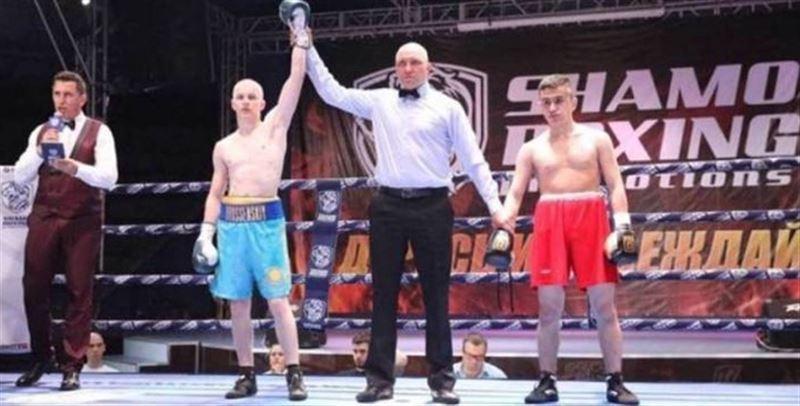 Қазақстандық боксшы Мәскеуде нокаутпен жеңіске жетті
