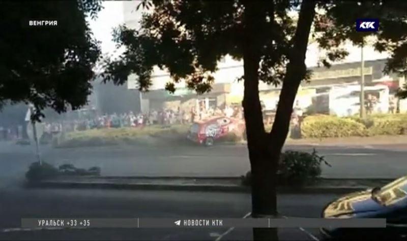 В Венгрии гонщик не справился с управлением, пострадали 11 зрителей