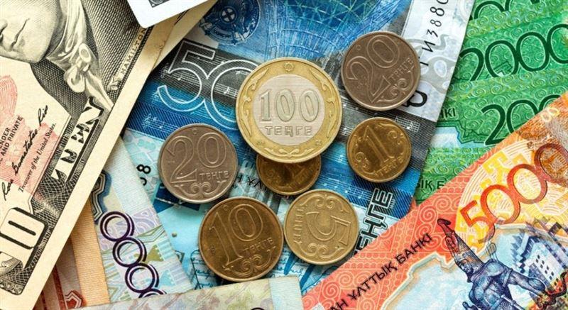 Средневзвешенный курс доллара составил 384,21 тенге