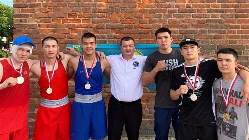 Қазақстандық боксшылар Польшадағы турнирде 5 медаль иеленді