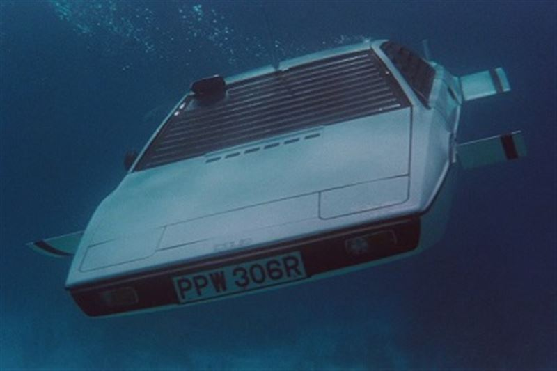 Илон Маск создаст автомобиль-субмарину, как у Джеймса Бонда