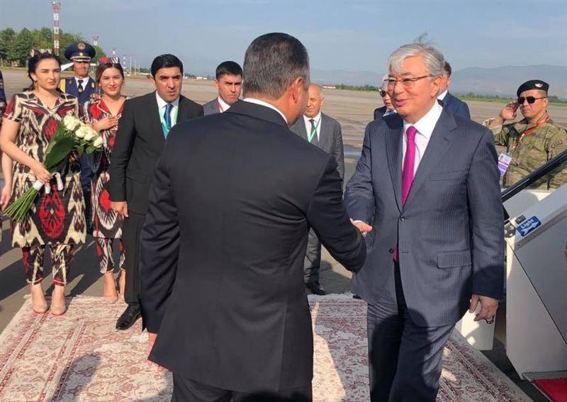 Касым-Жомарт Токаев прибыл в Душанбе, где пройдет саммит СВМДА