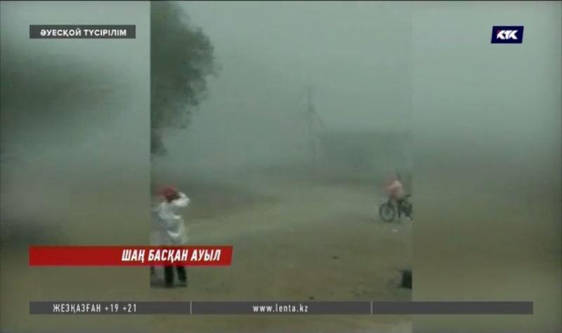 Ақтөбе облысында үш бірдей ауылдың тұрғындары шаңға тұншығып отыр