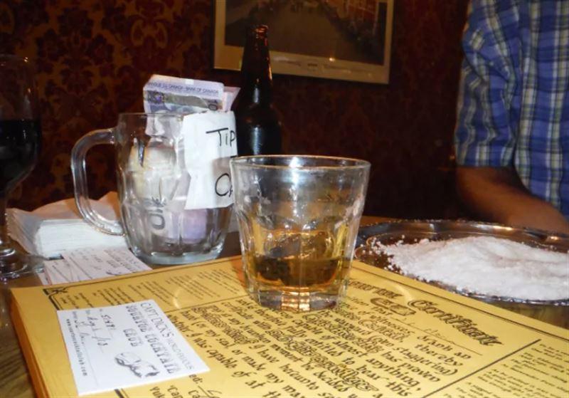 Британец отправил в бар в Канаде свои ампутированные пальцы