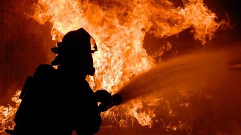 26 человек эвакуировали из горящей многоэтажки в Усть-Каменогорске
