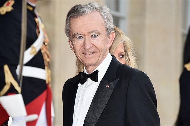 Французский бизнесмен стал третьим «стомиллиардером» в мире