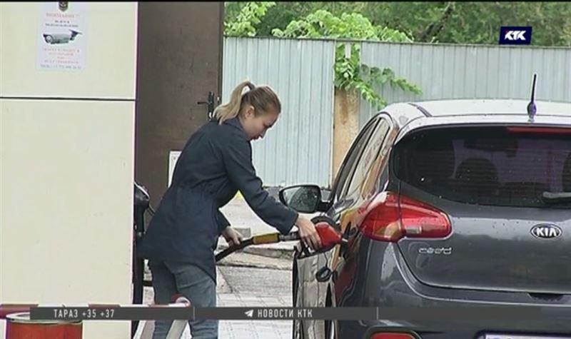 В Казахстане дешевеют бензин и все виды топлива