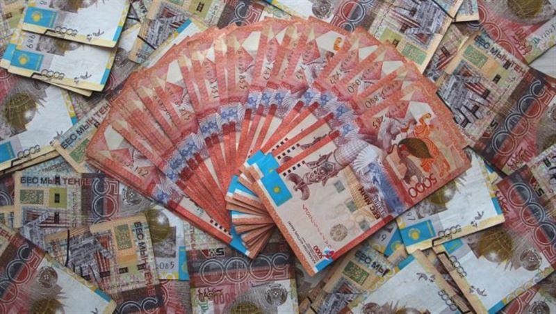 За торговую неделю нацвалюта укрепилась к доллару на 6 тенге