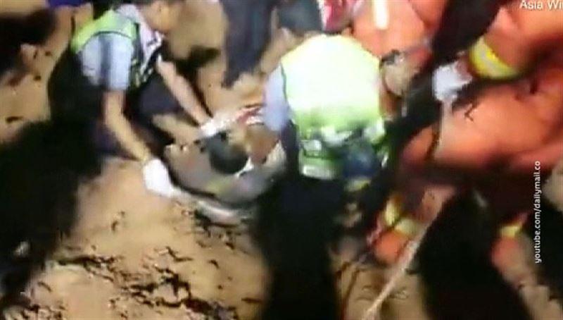 Водитель сорвался с высоты 150 метров и остался жив