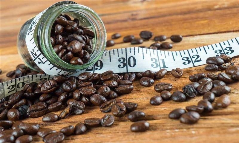 Учёные рассказали, как кофе помогает похудеть