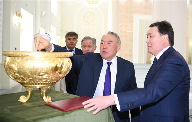 Елбасы Нурсултан Назарбаев посетил мечеть в Нур-Султане