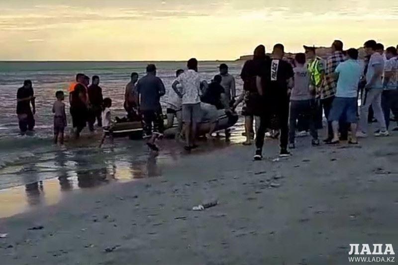 Подросток утонул на пляже в Актау
