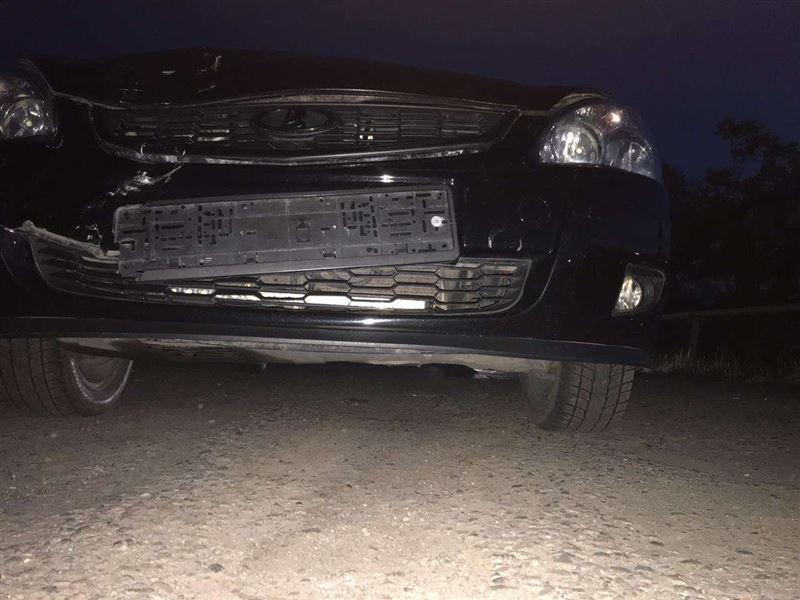 Свадебный кортеж совершил наезд на полицейских в Алматы