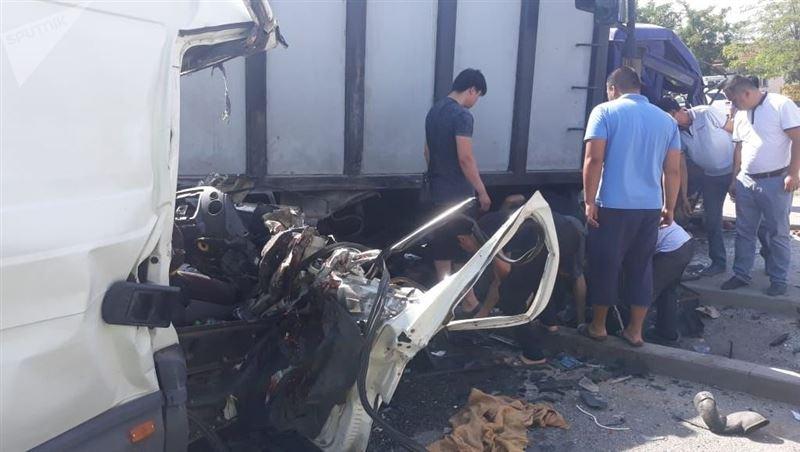 Авария со смертельным исходом произошла в Алматы