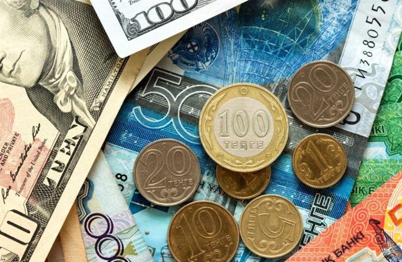 Средневзвешенный курс доллара составил 384,35 тенге