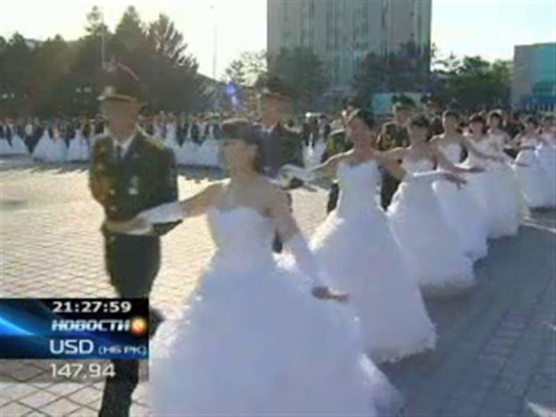 В честь Дня Победы в Семее танцевали вальс