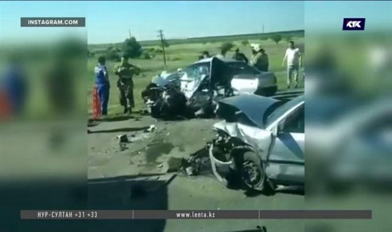 На трассе Шахтинск – Караганда лоб в лоб столкнулись два автомобиля