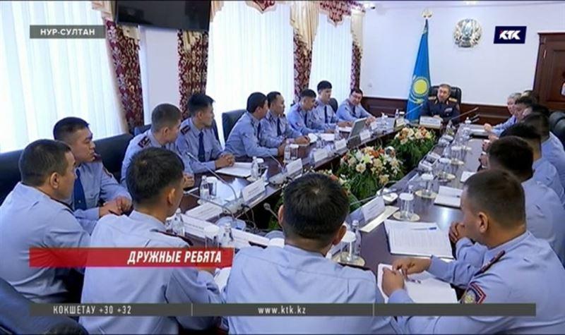 Глава МВД порекомендовал участковым больше общаться с КСК