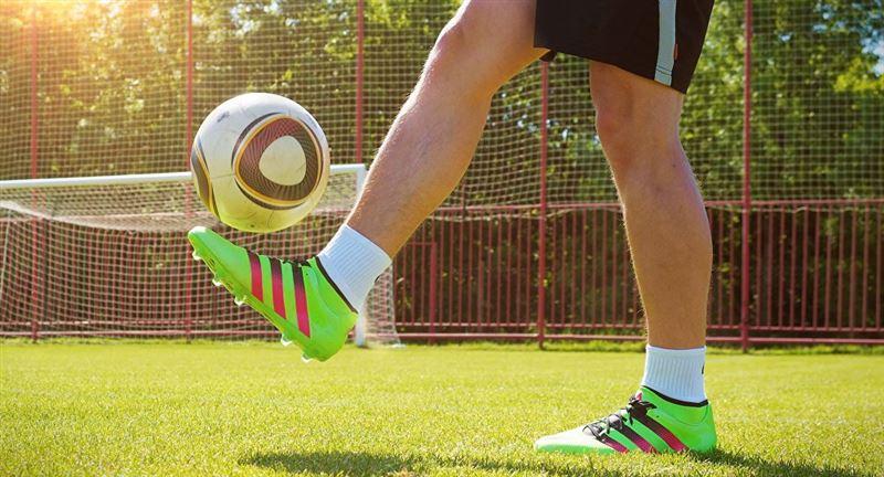 Қостанайда балаға футбол қақпасы құлап көз жұмды
