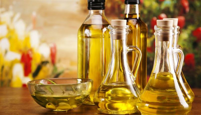 Три растительных масла помогут человеку избавиться от жировых отложений на животе