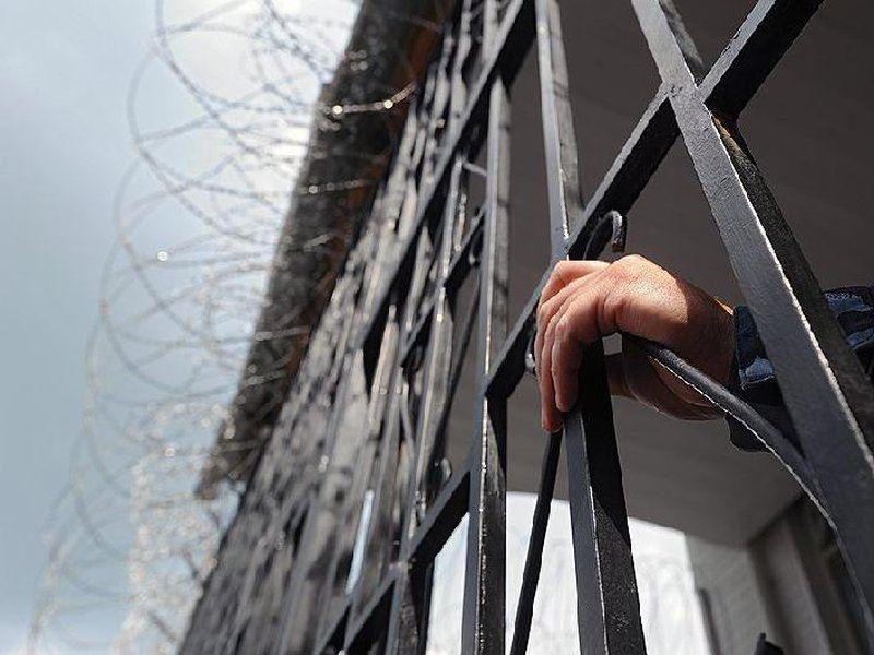 Полицейских Степногорска осудили за создание ОПГ и получение взяток